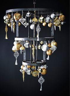 Ikea - Boules de Noël dorées et argentées de formes et de tailles différentes