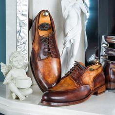 Paul Parkman Men's Dual Tone Brown Derby Shoes   Website: www.paulparkman.com . . .   #paulparkman #paulparkmanshoes #derbyshoes  #handmade #bespoke #luxury #shoemaker #handcrafted #shoesformen #mensshoes #handmadeshoes #mensfashion #patinashoes #bespokeshoes #luxuryshoes #shoeaddict #shoeporn #shoegame #shoesaddict #shoegasm Me Too Shoes, Men's Shoes, Shoes Men, Brown Derby, Tailored Fashion, Best Shoes For Men, Brown Oxfords, Tassel Loafers, Derby Shoes