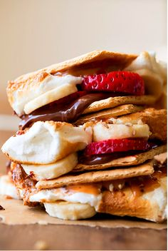 Strawberry Banana S'mores - Substitute the marshmallow for strawberries and it's just a little bit healthier!