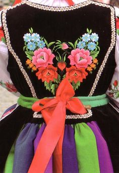 Polish costume - Lowicz Maybe someday I will get one for my Polish heritage. Polish Embroidery, Folk Embroidery, Polish Clothing, Polish Tattoos, Polish Folk Art, Folk Dance, Passementerie, We Are The World, Folk Costume