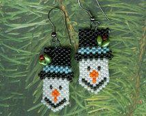 Snowman Earrings - A Beading Pattern Christmas Pictures, Beading Patterns, Beaded Earrings, Jewerly, Snowman, Christmas Ornaments, Beads, Holiday Decor, Handmade