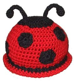 awesome Cute little ladybug crochet hat. Kate Parks I might ask you to make this one day. Crochet Kids Hats, Crochet Beanie, Crochet Crafts, Yarn Crafts, Crochet Projects, Knitted Hats, Knit Crochet, Loom Knitting, Baby Knitting
