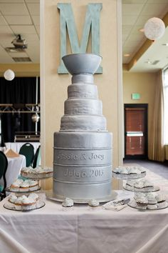 how to make a stanley cup wedding cake 1000 images about wedding theme boston bruins hockey on 15860