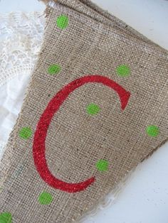 Christmas burlap banner- but thinking about it for a rustic thanksgiving