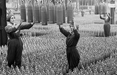 British women in munitions factory, 1917.