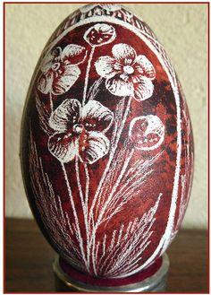 Polish drapanki or skrobanki Incredible Eggs, Incredible Edibles, Shape Art, Egg Shape, Egg Crafts, Arts And Crafts, Polish Easter Traditions, Polish Recipes, Polish Food