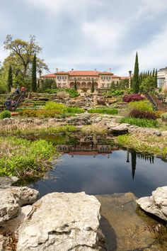 The breathtaking outdoor garden at Philbrook Museum of Art in Tulsa makes for an unforgettable wedding space. Oklahoma Attractions, Oklahoma Tourism, Travel Oklahoma, Romantic Escapes, Space Wedding, Travel Information, Travel And Tourism, That Way, Art Museum
