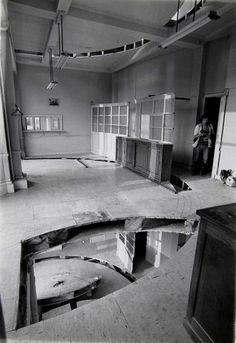 Office Baroque, floor by Gordon Matta-Clark, 1977 Street Installation, Installation Architecture, Study Architecture, Artistic Installation, Amazing Architecture, Gordon Matta Clark, Hotel Plaza, Arcology, Art Inspiration Drawing