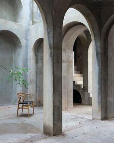 Xavier Corbero's house. Stone arches.