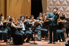 Violinista Daniel Guedes e Orquestra Sinfônica Brasileira. Foto: Cicero Rodrigues