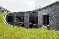 Privacy and green space can be hard to come by in the city – this house manages to feature both, despite its central location in theQuang Ninh province of Vietnam.