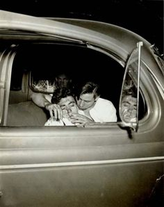 Artist Weegee (arthur Fellig) - FindArtinfo Weegee Photography, Candid Photography, White Photography, Street Photography, Lower East Side, Urban Life, Short Film, Art Pictures, Photo Book