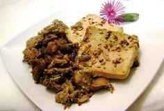 Scaloppine di tofu al naturale con funghi pleurotus e semi di sesamo e di lino