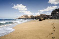 Playa de Garcey. Sin noticias del SS American Star IV   Flickr