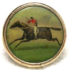 ¤ Antique waistcoat riding button depicting horse and jockey.