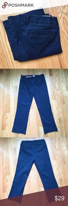 """J Crew City Fit Navy Pants Great J Crew Pants. 97% cotton 3% spandex. Waist measures 14.5"""", inseam 25"""". EUC. Perfect staple for your closet. J. Crew Pants Straight Leg"""