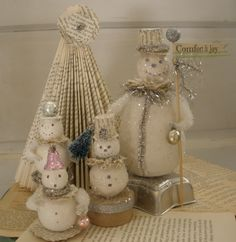 Make Snowmen!  Today I'm snowed in and can't make it to the store...we had quite the little blizzard in Seattle yesterday.  Actually I'm hav...