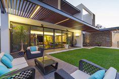 Casa Manantiales : Balcones y terrazas modernos de Enrique Cabrera Arquitecto