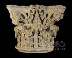 Capitel Romano Roman Architecture, Ancient Rome, Columns, Lion Sculpture, Ornament, Things To Come, Statue, Fine Art, Classic