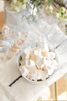 How to Create a Holiday Hot Chocolate Bar - Sugar and Charm Sugar and Charm Christmas Snacks, Christmas Brunch, Christmas Holidays, Merry Christmas, Winter Cocktails, Christmas Cocktails, Hot Chocolate Bars, Party Punch Recipes, Soda Recipe