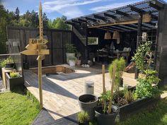 Small Outdoor Spaces, Outdoor Areas, Outdoor Rooms, Outdoor Living, Outdoor Decor, Diy Pergola, Dream Garden, Home And Garden, Backyard Pool Designs