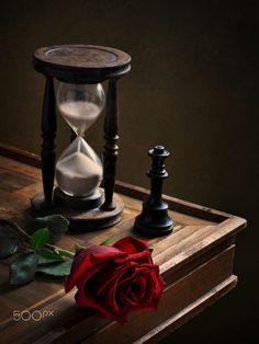 Raindrops and Roses: Photo Clock Wallpaper, Flower Wallpaper, Book Cover Background, Best Vsco Filters, Raindrops And Roses, Sand Glass, Art Folder, Clock Art, Night Aesthetic