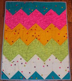 Chevron fans: You need to try this! Easiest Chevron Quilt Pattern Ever