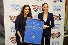 Wonder Woman Named U.N. Ambassador; Lynda Carter Channels Clinton, Mocks Trump