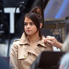 @selenagomez on the set of her new film in New York [September 21] #SelenaGomez en el set de su nueva película en Nueva York [Septiembre 21] #Selena #Selenator #Selenators #Fans