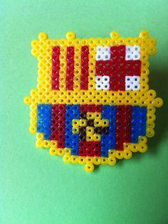 Broche escudo F.C. Barcelona hecho con hama beads
