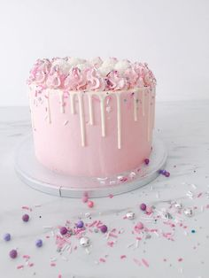 What is a Funfetti Cake? It's a moist vanilla cake with extra sprinkles and topped with pink ganache Pretty Cakes, Beautiful Cakes, Amazing Cakes, Funfetti Cake, Just Cakes, Fancy Cakes, Fancy Birthday Cakes, Drip Cakes, Sweet Cakes