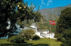 When English noblemen discovered the salmon-rich Flåm River in the 1870s, wealthy local farmer Chris... - Fretheim Hotel