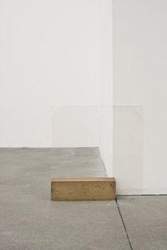 tiefgang: Fernanda Gomes Untitled, 2013 Plexiglas, wood, 30 x 30 x 6 cm Mixed Media Sculpture, Sculpture Art, Contemporary Sculpture, Contemporary Art, Material Research, Minimal Living, Installation Art, Art Installations, Fiber Art