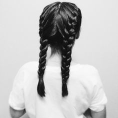 petah-l:  unreef:  gave my sister some cute lil braids // ig: @kaitlynscarcella   indie//boho