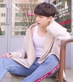 First Boyfriend, Korea Boy, Guan Lin, 61 Kg, Lai Guanlin, Lil Boy, Cute Korean Boys, Muscle Shirts, Kim Jaehwan