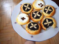 poslední dobou mám pocit, že pořád peču už stokrát ohrané buchty a pišingry (🙋😂), žádná inspirace, tak tu radši ani ničím neotravuju... 😄 ale dneska jsem upekla tlačené koláče podle Romana Vaňka a ty jsou teda ÚŽASNÝ!! ❤ fakt je zkuste #kolace #kynutekolace #cake #poppyseed #creamcheese #yeastdough #kynutetesto #makovykolac #tvarohovykolac #tlacenekolace #pies #pie #homebaker #homebaked #yummy #instabake #foodie #foodlover #foodpics #czech #czechrepublic #avecplaisircz