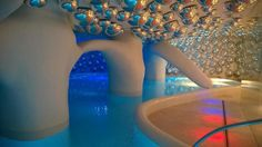 Boscolo Milano Hotel, Milan: If you stay here make sure to check out the futuristic pool.