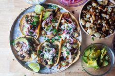 simple cauliflower tacos Cilantro, Feta Stuffed Peppers, Cauliflower Tacos, Smitten Kitchen, Cooking Recipes, Healthy Recipes, Best Vegetarian Recipes, Avocado Recipes, Cooking Ideas