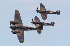 https://flic.kr/p/sLngWP | Bristol Blenheim & Spitfire Formation | Duxford, VE Day Airshow, 2015