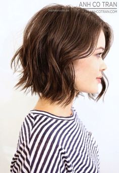 21 Textured Choppy Bob Hairstyles: Short, Shoulder Length Hair – PoPular Haircuts side view of short choppy bob hairstyle for girls http://www.tophaircuts.us/2017/07/02/21-textured-choppy-bob-hairstyles-short-shoulder-length-hair-popular-haircuts/