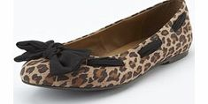 So fabulous! So Fabulous Bow Flat Shoes - Extra Wide Fit If its cool and casual youre after youll love these flat shoes by So Fabulous Theyre perfect for: Laid back weekends Casual lunch dates Off-duty office looks Material content: Upper: Textile. http://www.comparestoreprices.co.uk/womens-shoes/so-fabulous!-so-fabulous-bow-flat-shoes--extra-wide-fit.asp