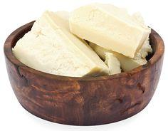 Bơ Shea chưa tinh chế (Unrefined Shea Butter). Đây là loại bơ đã được lọc qua, nhưng đảm bảo không ảnh hưởng đến chất lượng. Thường là lọc bằng vải mỏng. Sau khi lọc, người ta có thể đổ khuôn. Cho ra sản phẩm ở dạng thỏi hoặc đựng trong hủ. http://www.blogtranthanh.com/