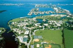 Eckerd College's beautiful main campus in St. right on Tampa Bay! Eckerd College, College Years, Waiting For Next Year, Alma Mater, Great Memories, Great Places, City Photo, Florida, Photo And Video