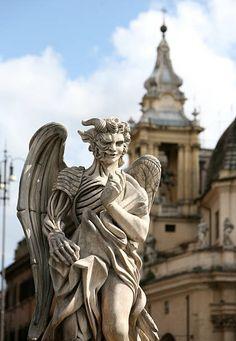 Sculptures, Lion Sculpture, Iphone Wallpaper Fall, Dan Brown, Angel And Devil, Marble Art, Tom Hanks, Greek Art, Dark Photography