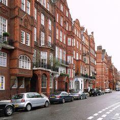 Cadogan Square, Chelsea | photo by Steve Ccadman | flickr