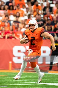 efb554511 Eric Dungey of the Syracuse Orange runs with the ball during the game.