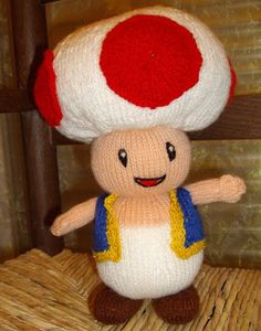 Toad est apparu pour la première fois dans le jeu vidéo Super Mario Bros. sur NES, et pour la première fois comme personnage jouable dans S... Super Mario Bros, Knitting Patterns, Crochet Patterns, Knitting Toys, Free Crochet, Knit Crochet, Disney Au, Bonnet Crochet, Toad