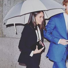 """Meghans Mirror on Instagram  """"Found!  MeghanMarkle s  umbrella from the   EndeavourAwards is by  foxumbrellas and can be ordered at a cost of  £95.00 …"""" 02c42e1fba3a3"""