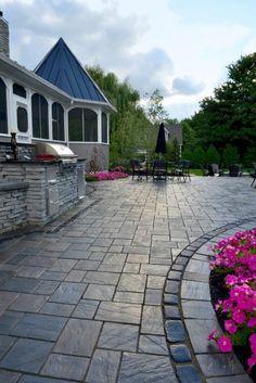 Richcliff paver patio with Rivercrest grill island by Unilock . Richcliff paver patio with Rivercr Concrete Patio Designs, Paver Designs, Backyard Patio Designs, Backyard Landscaping, Stamped Concrete Driveway, Flagstone Walkway, Patio Slabs, Patio With Pavers, Unilock Pavers