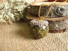 Colgantes y amuletos - Collar Esfera con copos Dorados - hecho a mano por AlpacaBlue en DaWanda